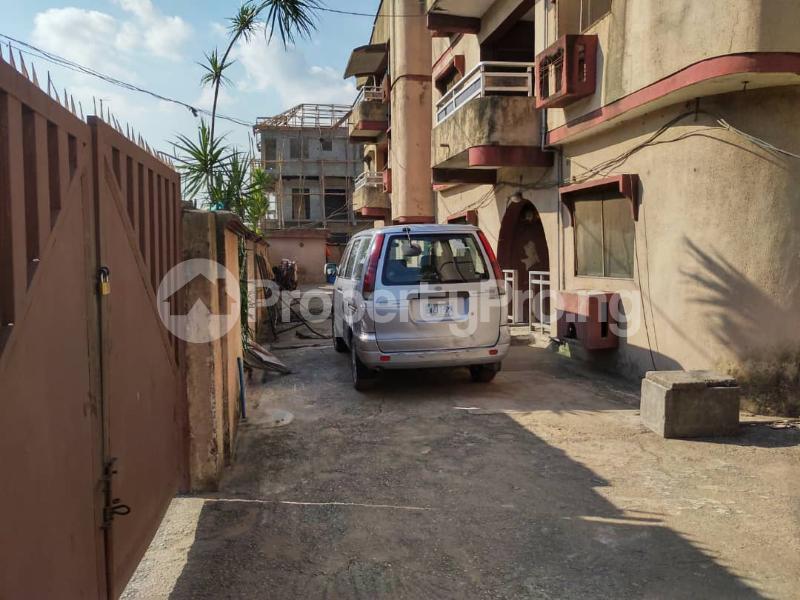 Blocks of Flats House for sale Off Agege Motor Road  Mushin Mushin Lagos - 15