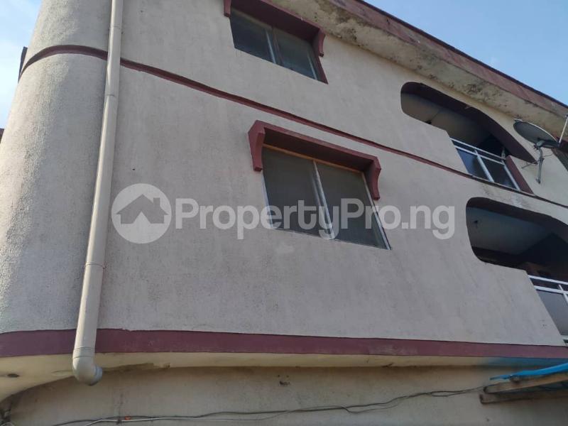 Blocks of Flats House for sale Off Agege Motor Road  Mushin Mushin Lagos - 22