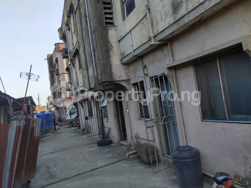 Blocks of Flats House for sale Off Agege Motor Road  Mushin Mushin Lagos - 7