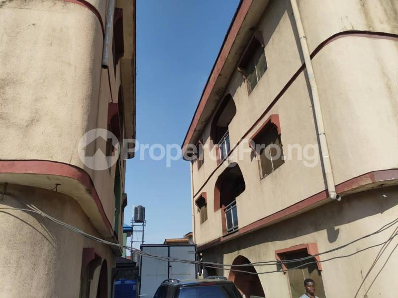 Blocks of Flats House for sale Off Agege Motor Road  Mushin Mushin Lagos - 10