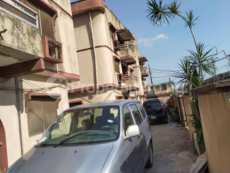 Blocks of Flats House for sale Off Agege Motor Road  Mushin Mushin Lagos - 5