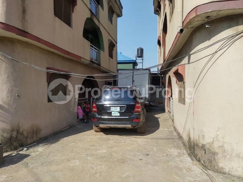 Blocks of Flats House for sale Off Agege Motor Road  Mushin Mushin Lagos - 18