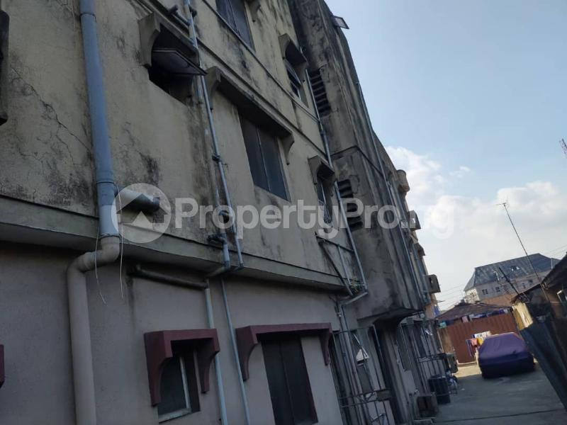 Blocks of Flats House for sale Off Agege Motor Road  Mushin Mushin Lagos - 14