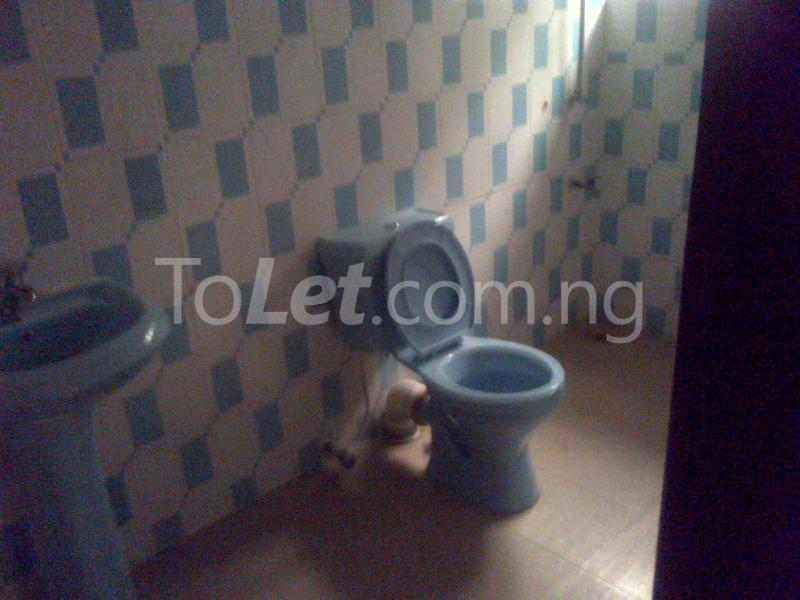 3 bedroom Flat / Apartment for rent Gowon Estate Egbeda Alimosho Lagos - 5