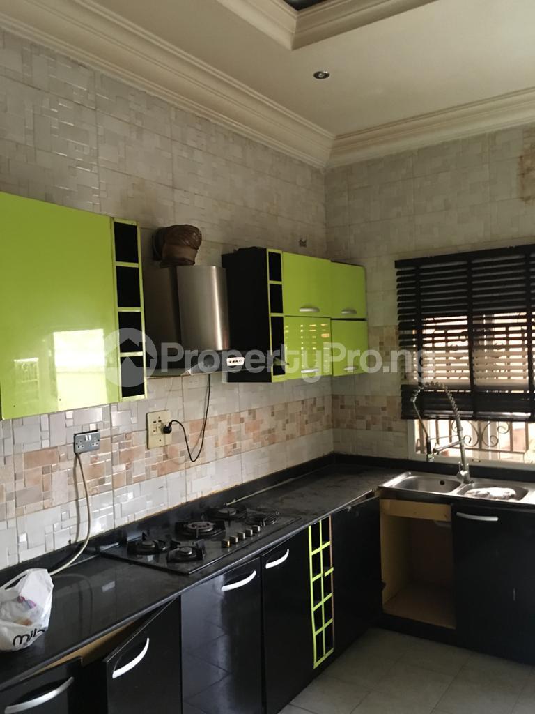 4 bedroom Semi Detached Duplex House for rent Magodo ph2 estate shangisha off cmd road. Magodo GRA Phase 2 Kosofe/Ikosi Lagos - 6
