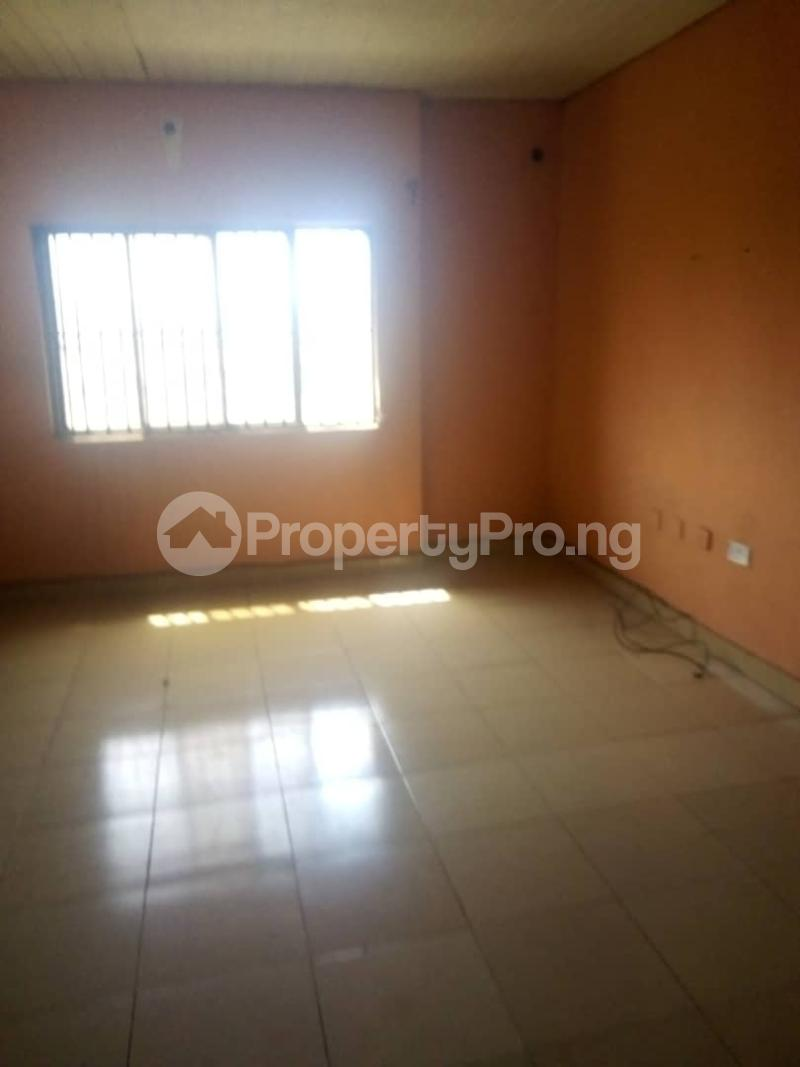 4 bedroom Detached Duplex House for rent Unity estate ojodu off grammar school. Unity estate Ojodu Lagos - 7