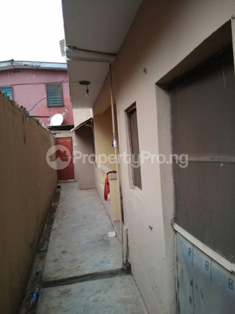 5 bedroom Blocks of Flats House for sale Mafoluku Mafoluku Oshodi Lagos - 3