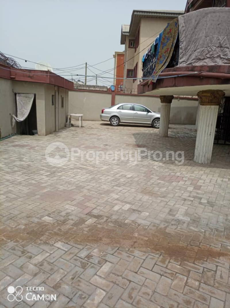 6 bedroom Detached Duplex House for sale Grandmate Ago palace Okota Lagos - 4