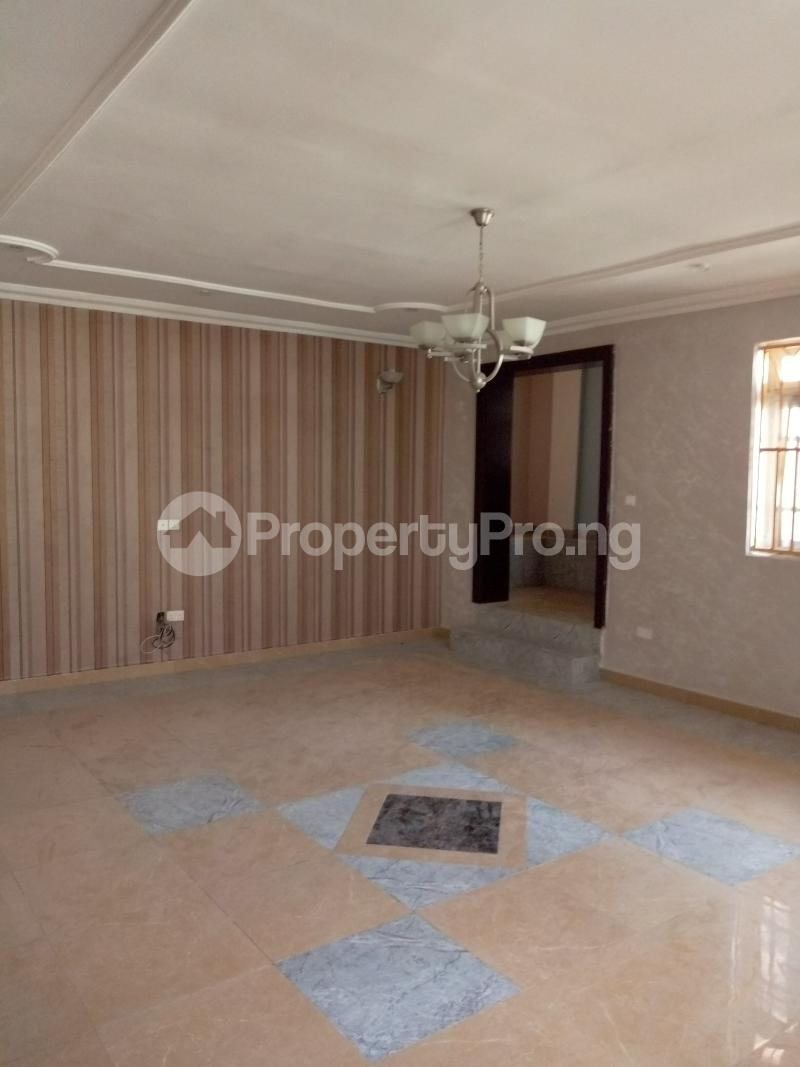 7 bedroom Massionette House for rent By Catholic Church Asokoro Abuja - 4