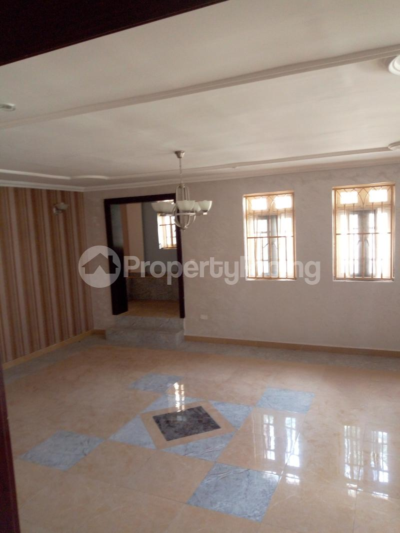 7 bedroom Massionette House for rent By Catholic Church Asokoro Abuja - 3