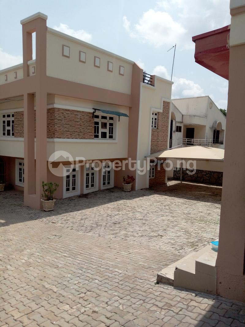 7 bedroom Massionette House for rent By Catholic Church Asokoro Abuja - 13