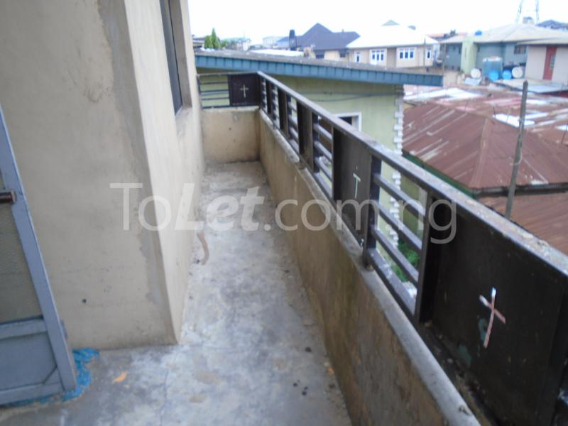 2 bedroom Flat / Apartment for rent off ayetoro Aguda Surulere Lagos - 14