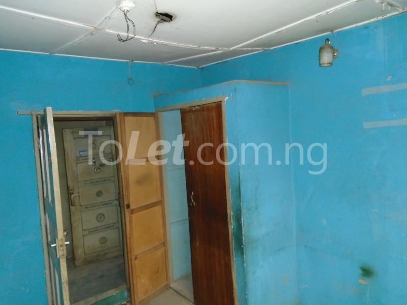 2 bedroom Flat / Apartment for rent off ayetoro Aguda Surulere Lagos - 2