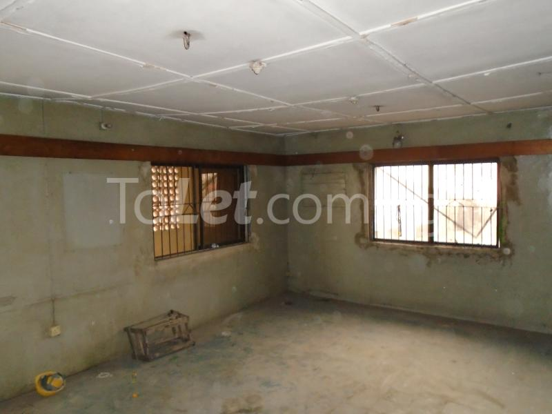 2 bedroom Flat / Apartment for rent off ayetoro Aguda Surulere Lagos - 5