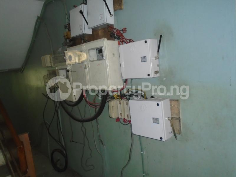 3 bedroom Blocks of Flats House for rent mende,close Mende Maryland Lagos - 2