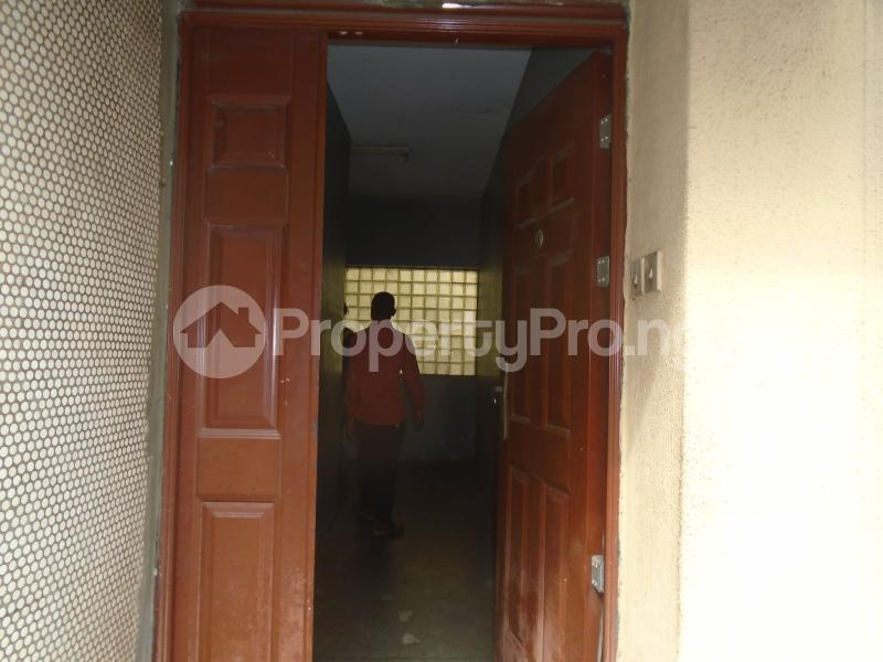 3 bedroom Blocks of Flats House for rent mende,close Mende Maryland Lagos - 0