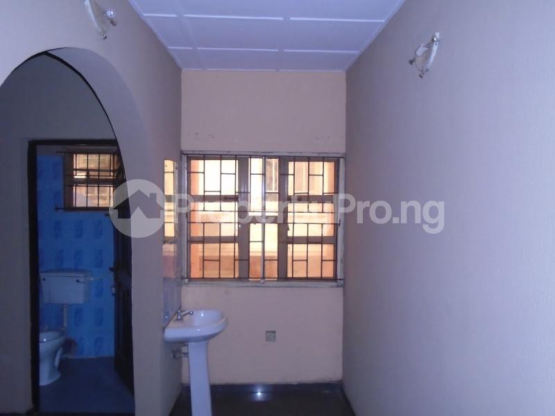3 bedroom Blocks of Flats House for rent abimbola awoliyi estate Oko oba Agege Lagos - 7