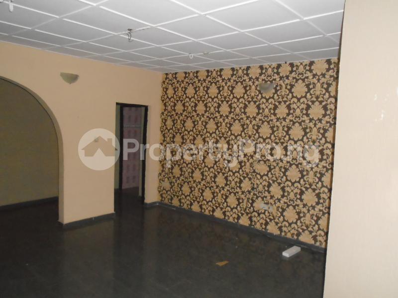 3 bedroom Blocks of Flats House for rent abimbola awoliyi estate Oko oba Agege Lagos - 1