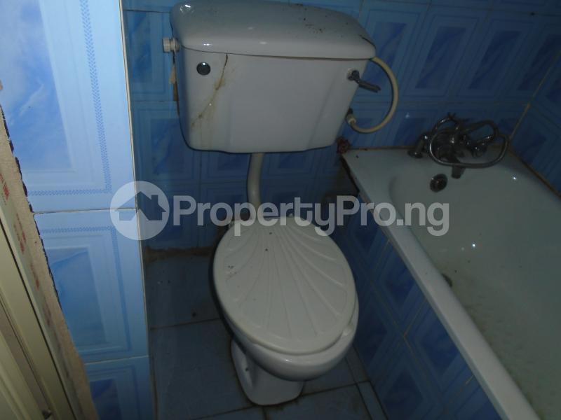 3 bedroom Blocks of Flats House for rent abimbola awoliyi estate Oko oba Agege Lagos - 18