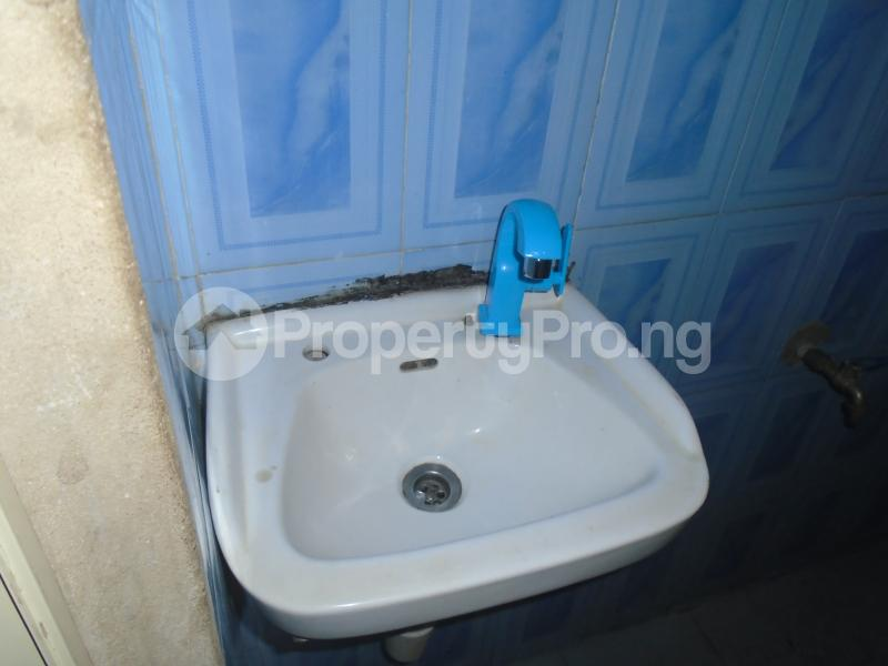 3 bedroom Blocks of Flats House for rent abimbola awoliyi estate Oko oba Agege Lagos - 6