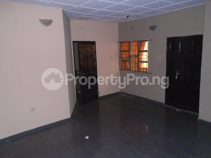 3 bedroom Blocks of Flats House for rent abimbola awoliyi estate Oko oba Agege Lagos - 2
