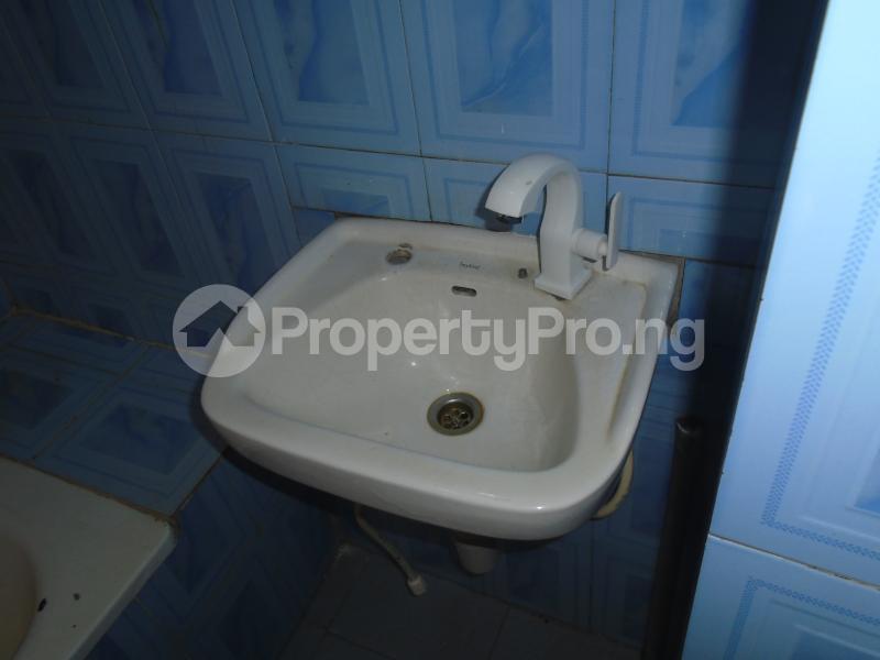 3 bedroom Blocks of Flats House for rent abimbola awoliyi estate Oko oba Agege Lagos - 20