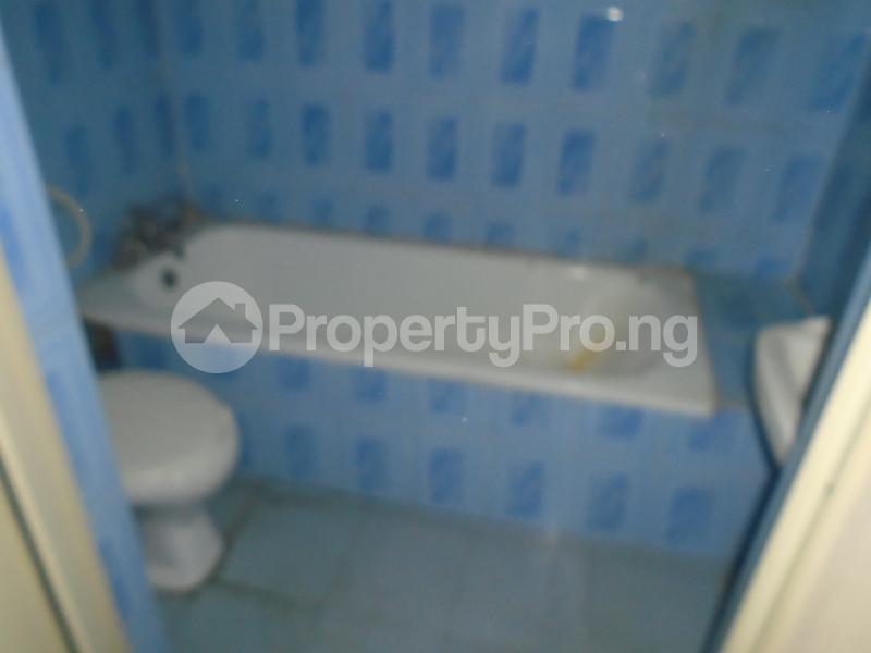 3 bedroom Blocks of Flats House for rent abimbola awoliyi estate Oko oba Agege Lagos - 17