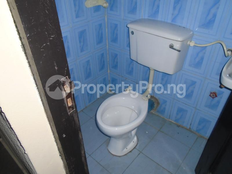 3 bedroom Blocks of Flats House for rent abimbola awoliyi estate Oko oba Agege Lagos - 3