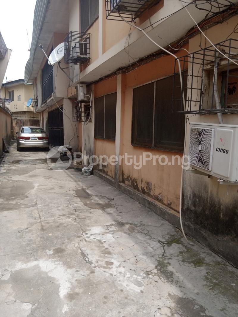 3 bedroom Blocks of Flats House for sale Bayo Ago palace Okota Lagos - 2