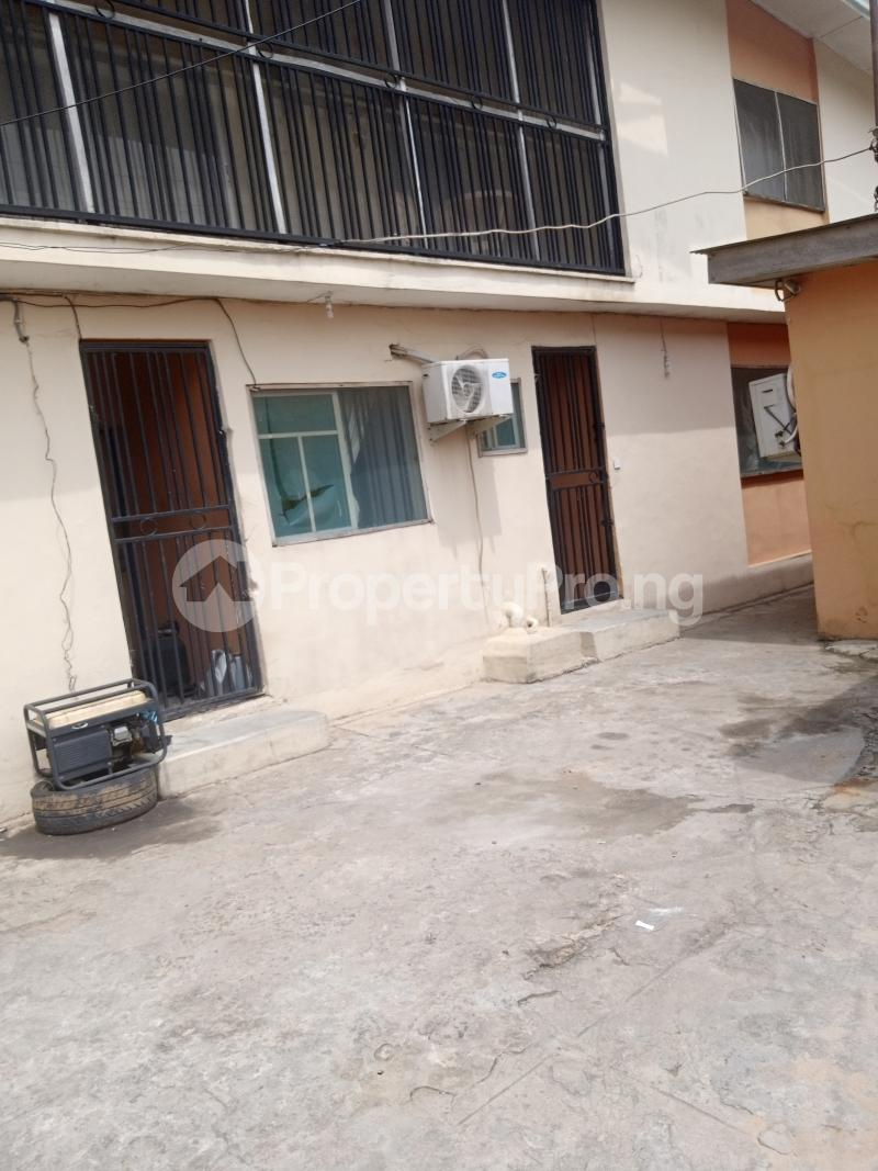 3 bedroom Blocks of Flats House for sale Bayo Ago palace Okota Lagos - 0
