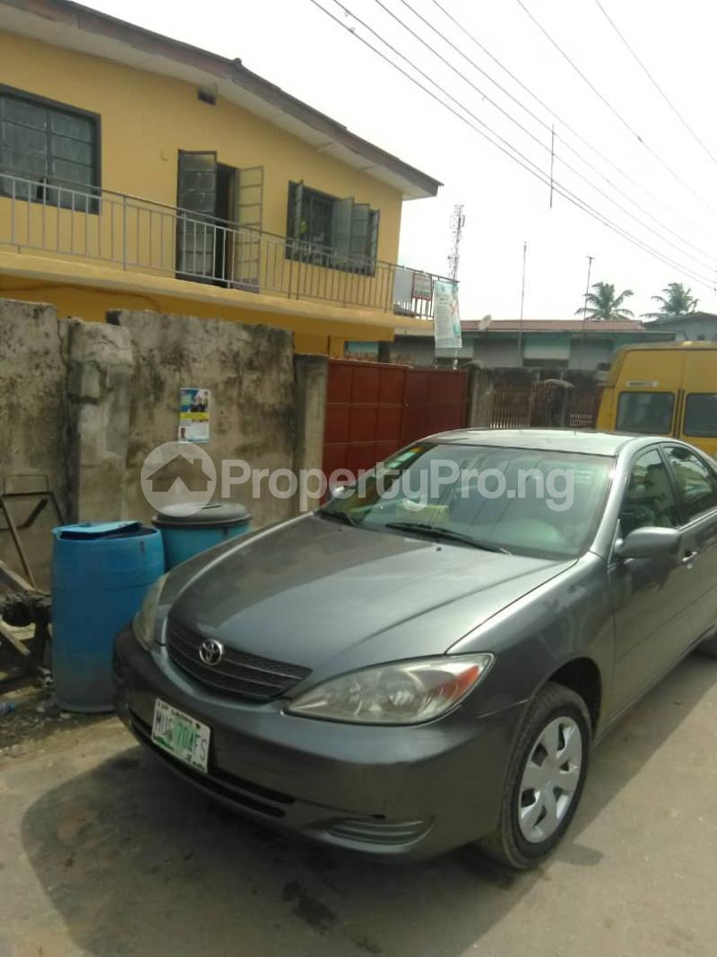 Blocks of Flats House for sale Shogunle close to bus stop Shogunle Oshodi Lagos - 1