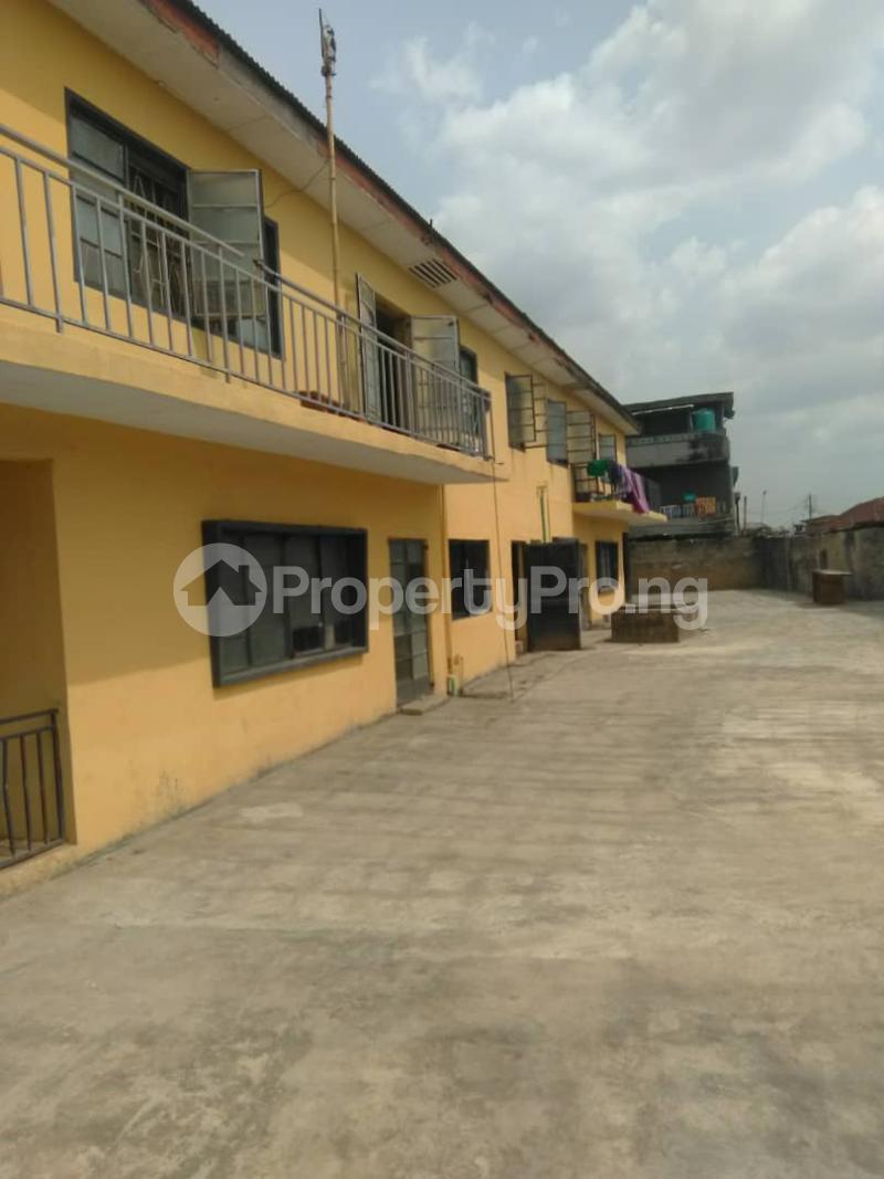 Blocks of Flats House for sale Shogunle close to bus stop Shogunle Oshodi Lagos - 6