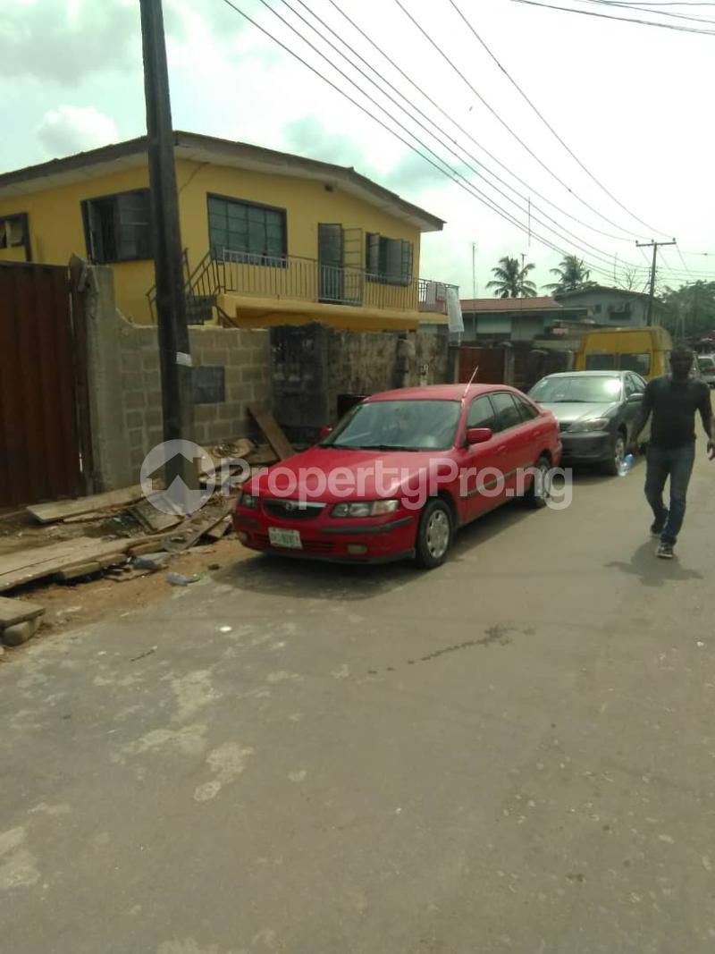 Blocks of Flats House for sale Shogunle close to bus stop Shogunle Oshodi Lagos - 3