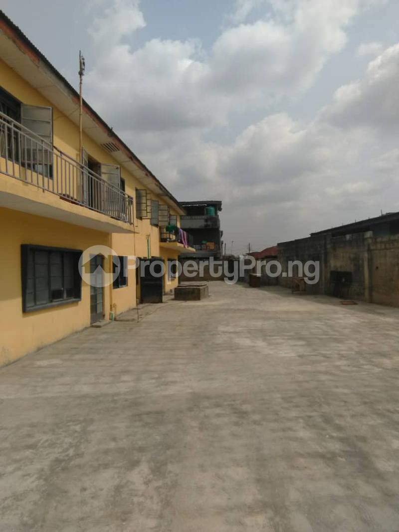 Blocks of Flats House for sale Shogunle close to bus stop Shogunle Oshodi Lagos - 7