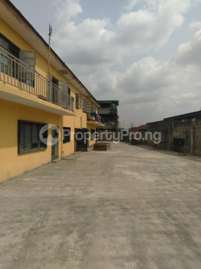 Blocks of Flats House for sale Shogunle close to bus stop Shogunle Oshodi Lagos - 0