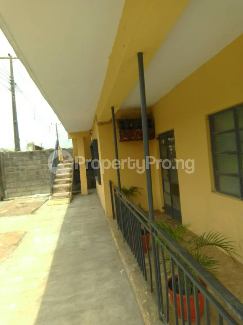 Blocks of Flats House for sale Shogunle close to bus stop Shogunle Oshodi Lagos - 9