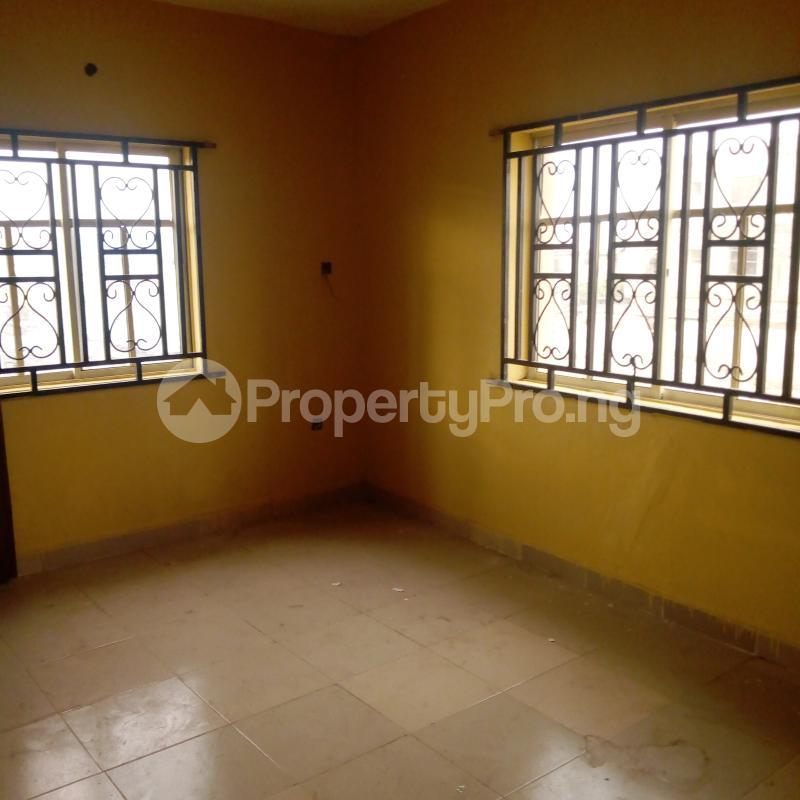 2 bedroom Flat / Apartment for rent I.k.j Bus Stop Bucknor. Bucknor Isolo Lagos - 19