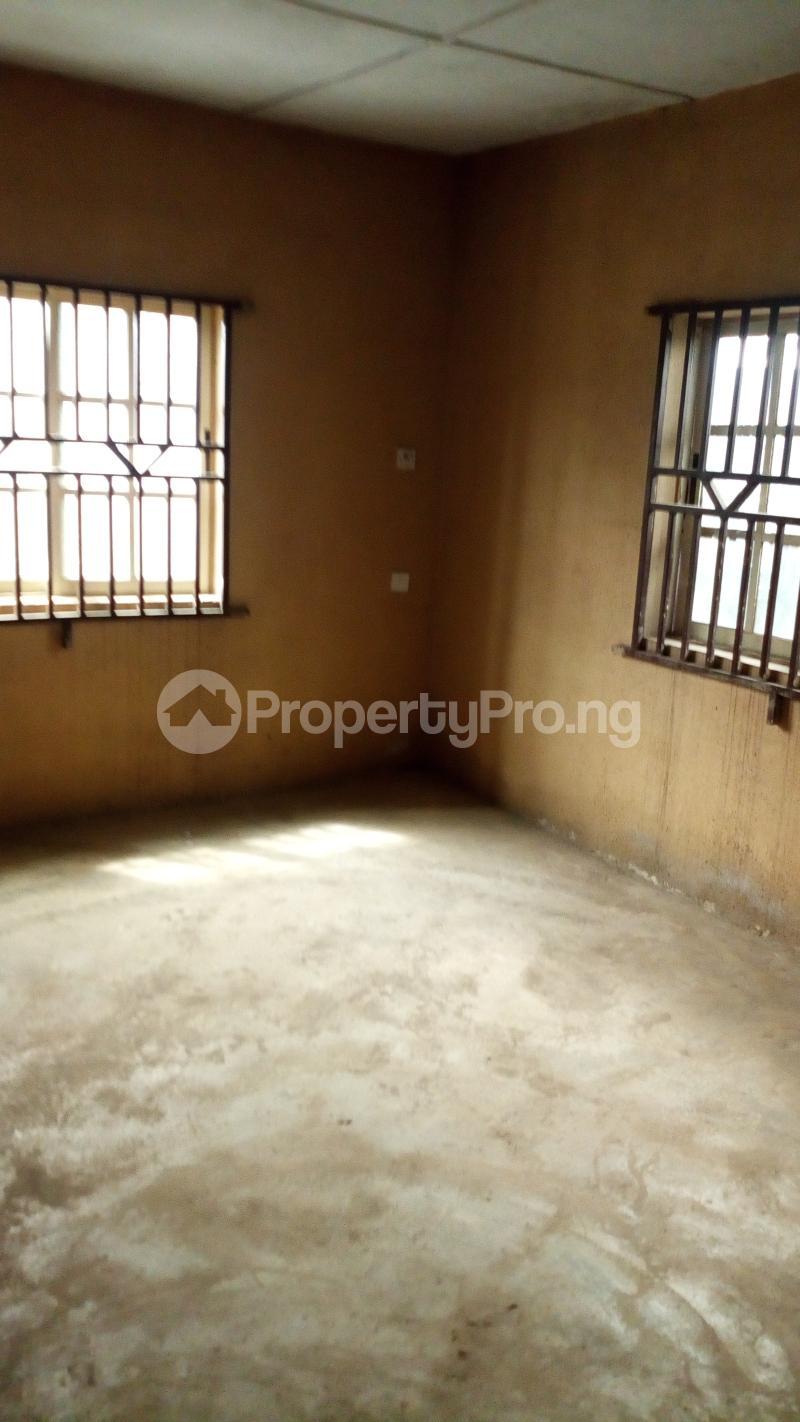 3 bedroom Blocks of Flats House for rent Old oko oba road agege egbatedo bus stop  Oko oba road Agege Lagos - 1