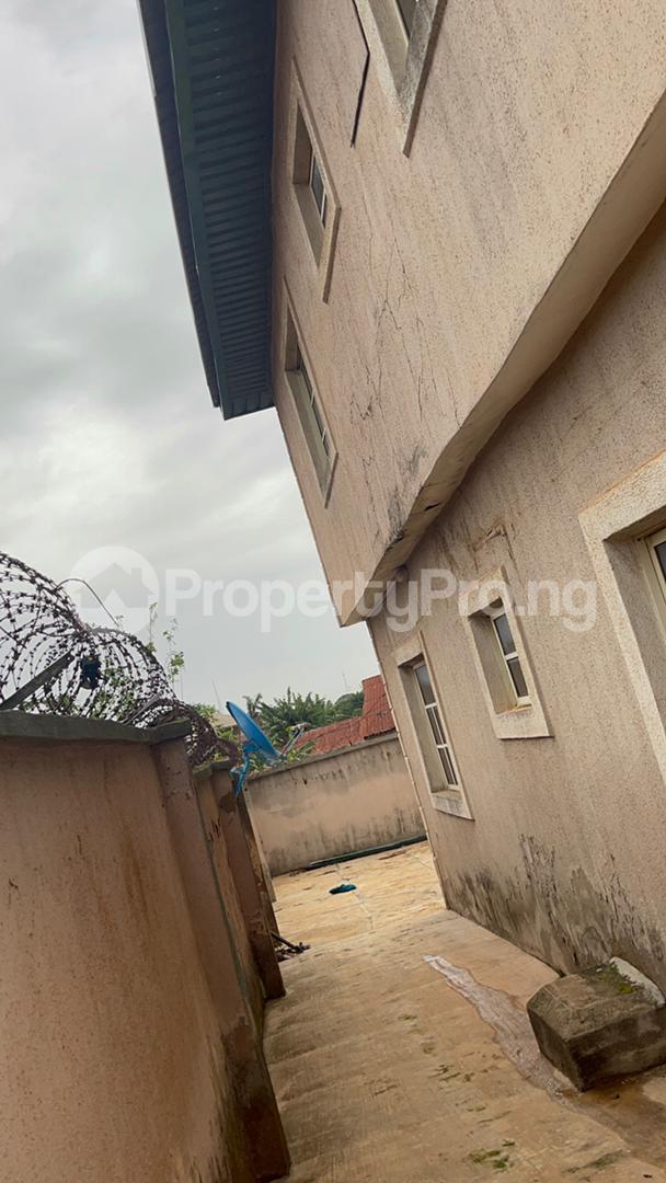 3 bedroom Shared Apartment Flat / Apartment for sale Sijuade At D Back Of Sijuade Hospital Akure Ondo - 1