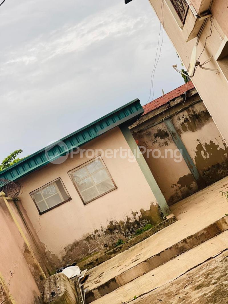 3 bedroom Shared Apartment Flat / Apartment for sale Sijuade At D Back Of Sijuade Hospital Akure Ondo - 4