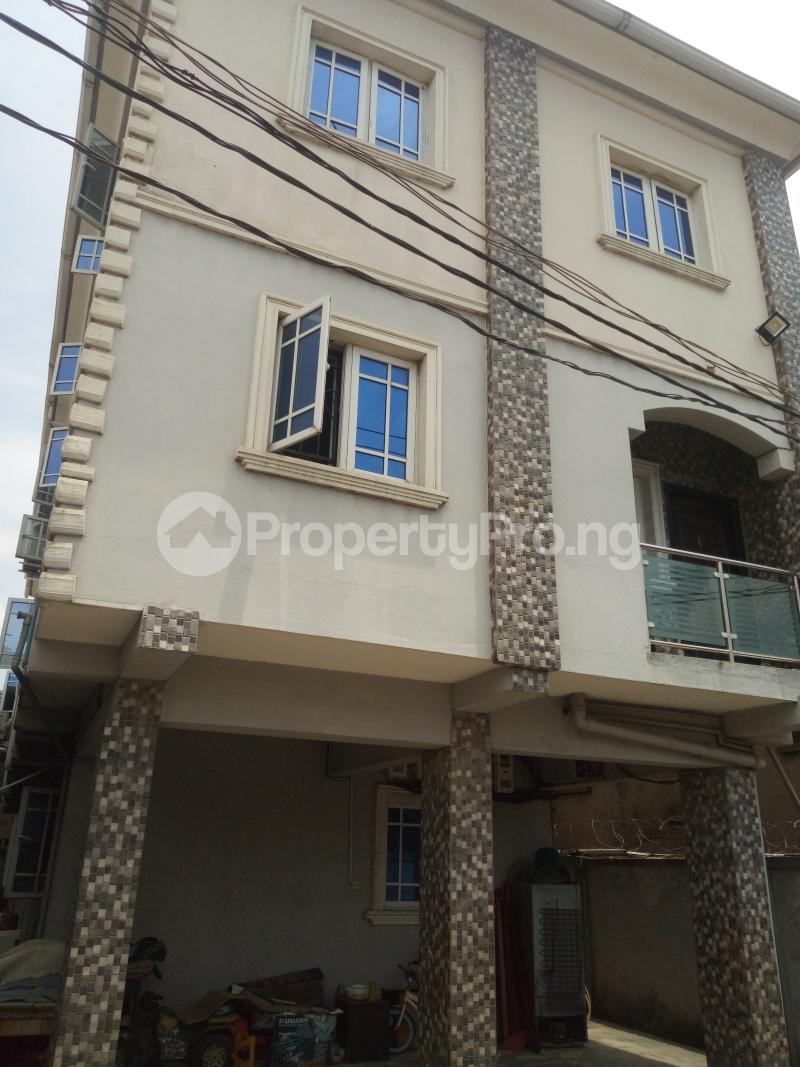 3 bedroom Flat / Apartment for rent ADEKUNLE - KUYE STREET OFF ADELABU SURULERE Aguda Surulere Lagos - 15