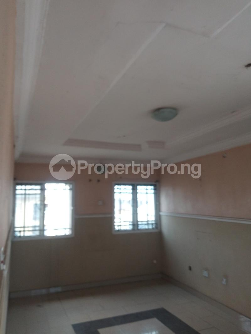 3 bedroom Flat / Apartment for rent ADEKUNLE - KUYE STREET OFF ADELABU SURULERE Aguda Surulere Lagos - 11