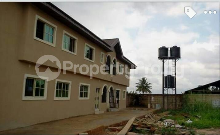 3 bedroom Blocks of Flats House for sale Close to Henson demonstration group of school, off Upper Mission Extension and off lucky way Oredo Edo - 17
