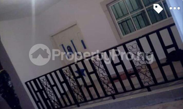 3 bedroom Blocks of Flats House for sale Close to Henson demonstration group of school, off Upper Mission Extension and off lucky way Oredo Edo - 13