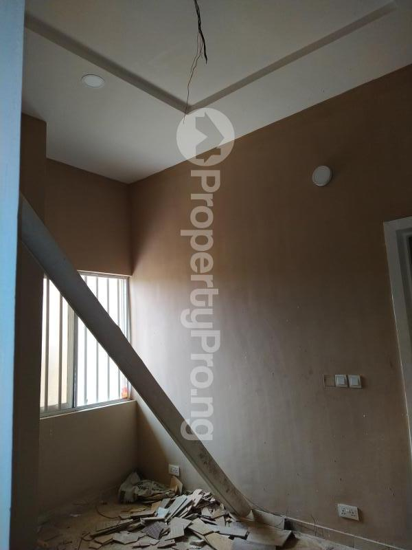 5 bedroom Semi Detached Duplex House for sale New Road Lekki Lagos Ikate Lekki Lagos - 8