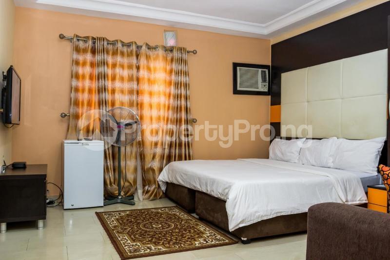 2 bedroom Flat / Apartment for shortlet Off Emmanuel Keshi Magodo GRA Phase 2 Kosofe/Ikosi Lagos - 2