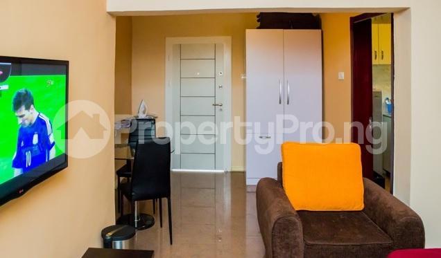 2 bedroom Flat / Apartment for shortlet Off Emmanuel Keshi Magodo GRA Phase 2 Kosofe/Ikosi Lagos - 3