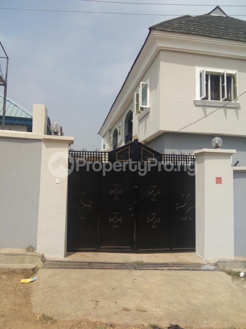 2 bedroom Shared Apartment Flat / Apartment for rent Woelem street akilapa housing estate idi ishin extension, Ibadan. Idishin Ibadan Oyo - 0