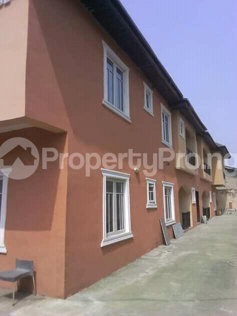 2 bedroom Flat / Apartment for rent is at Ilupeju Side other side of palmgrove Palmgroove Shomolu Lagos - 0