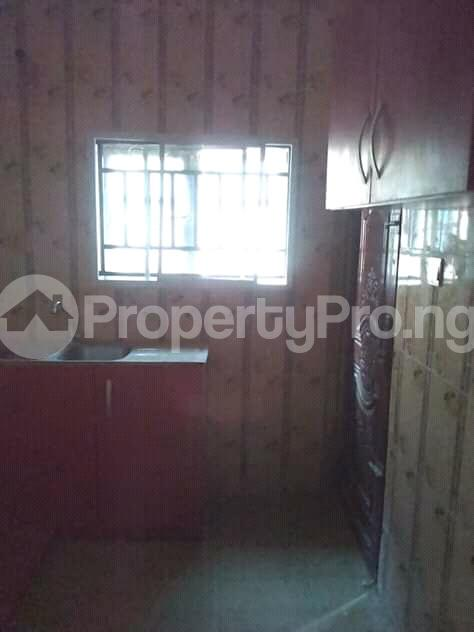 2 bedroom Flat / Apartment for rent is at Ilupeju Side other side of palmgrove Palmgroove Shomolu Lagos - 6